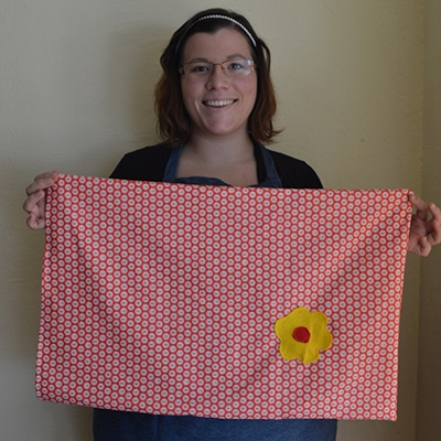 parties-machine-sewing-pillow-case