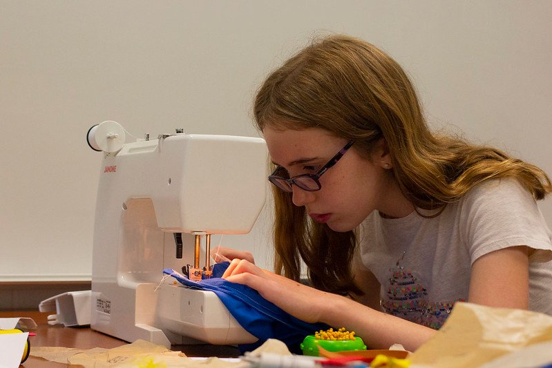 girl - machine - sewing